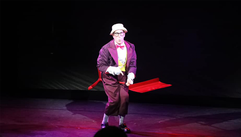 A performer from Media Clown works with a Perception Neuron motion capture system.